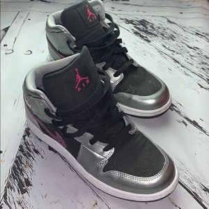 Jordan Shoes - Air Jordan Phat GS 1 size 6.5